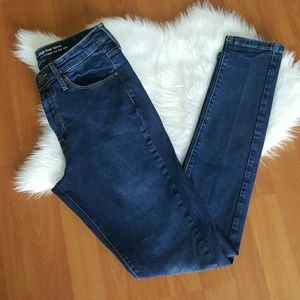 Mossimo high rise skinny jeans Sz 8 power stretch
